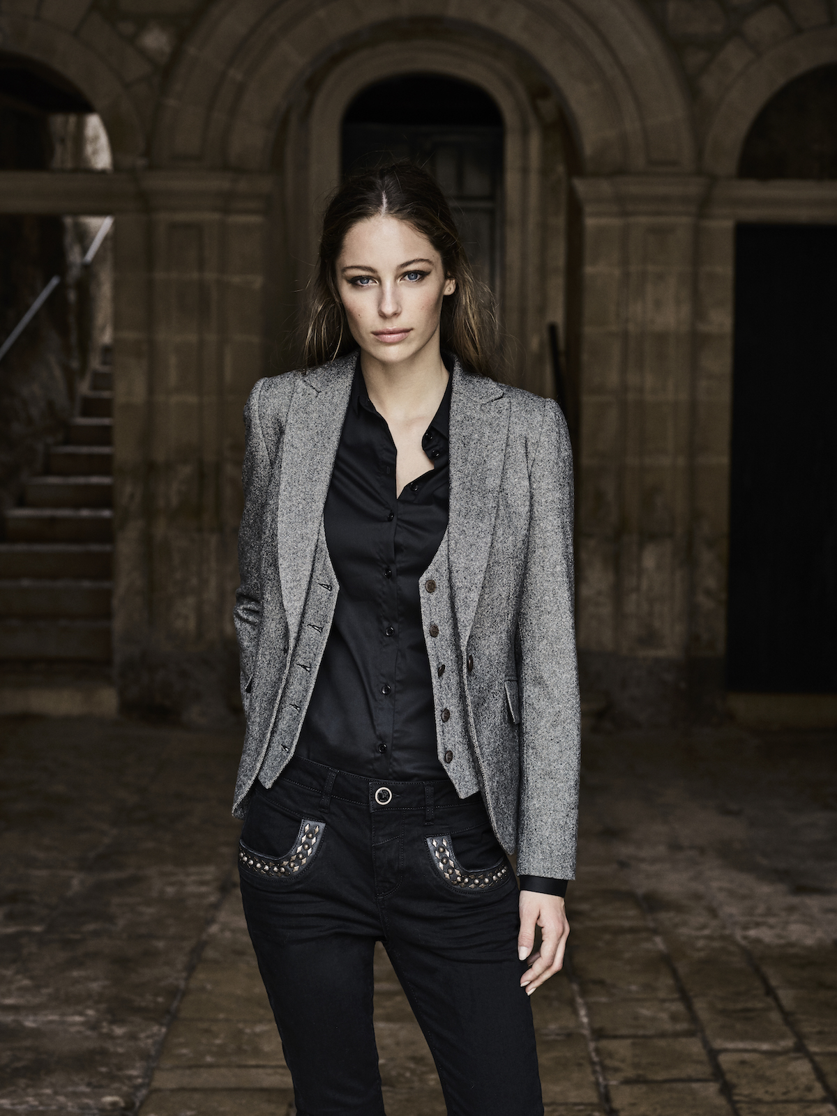 115660 115010 115260 115020 – Marley Naomi Jeans  Dolce Blazer Tilda Shirt Dolce Waistcoat – Campaign